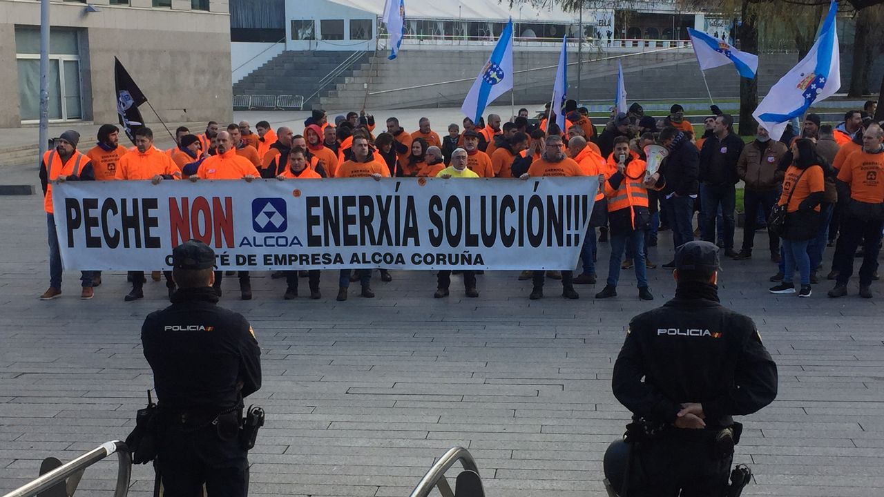 La ministra de Industria y Turismo, de paseo por Vigo.Obras de humanización en Vía Norte