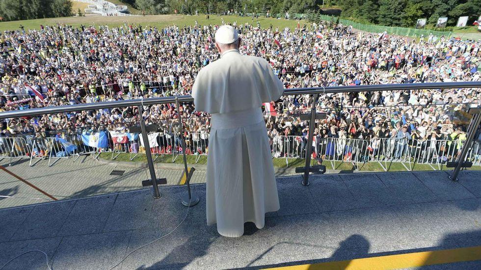 El papa reitera en Cracovia su mensaje de solidaridad con los refugiados