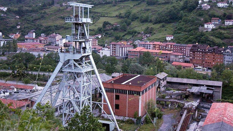 Antonio Virgili, director general de la RTPA.Explotación minera en Mieres