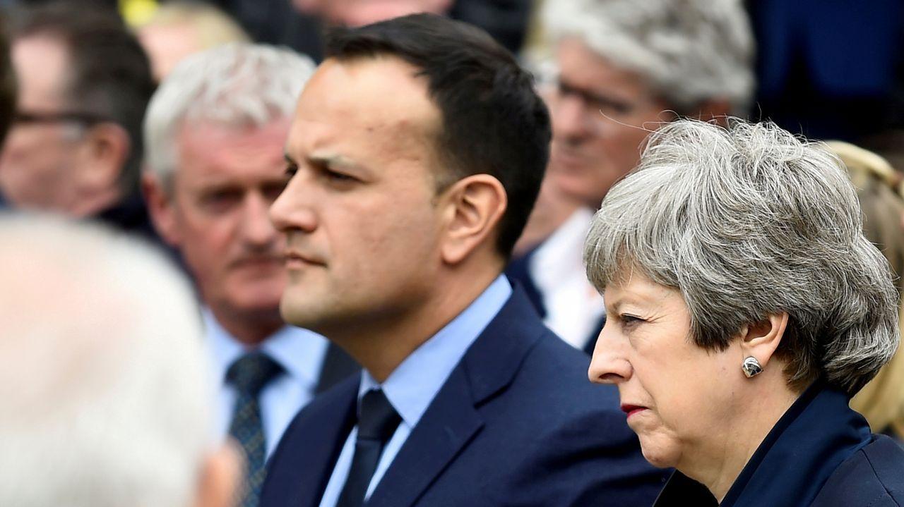 Los primeros ministros de Irlanda y el Reino Unido, Leo Varadkar y Theresa May