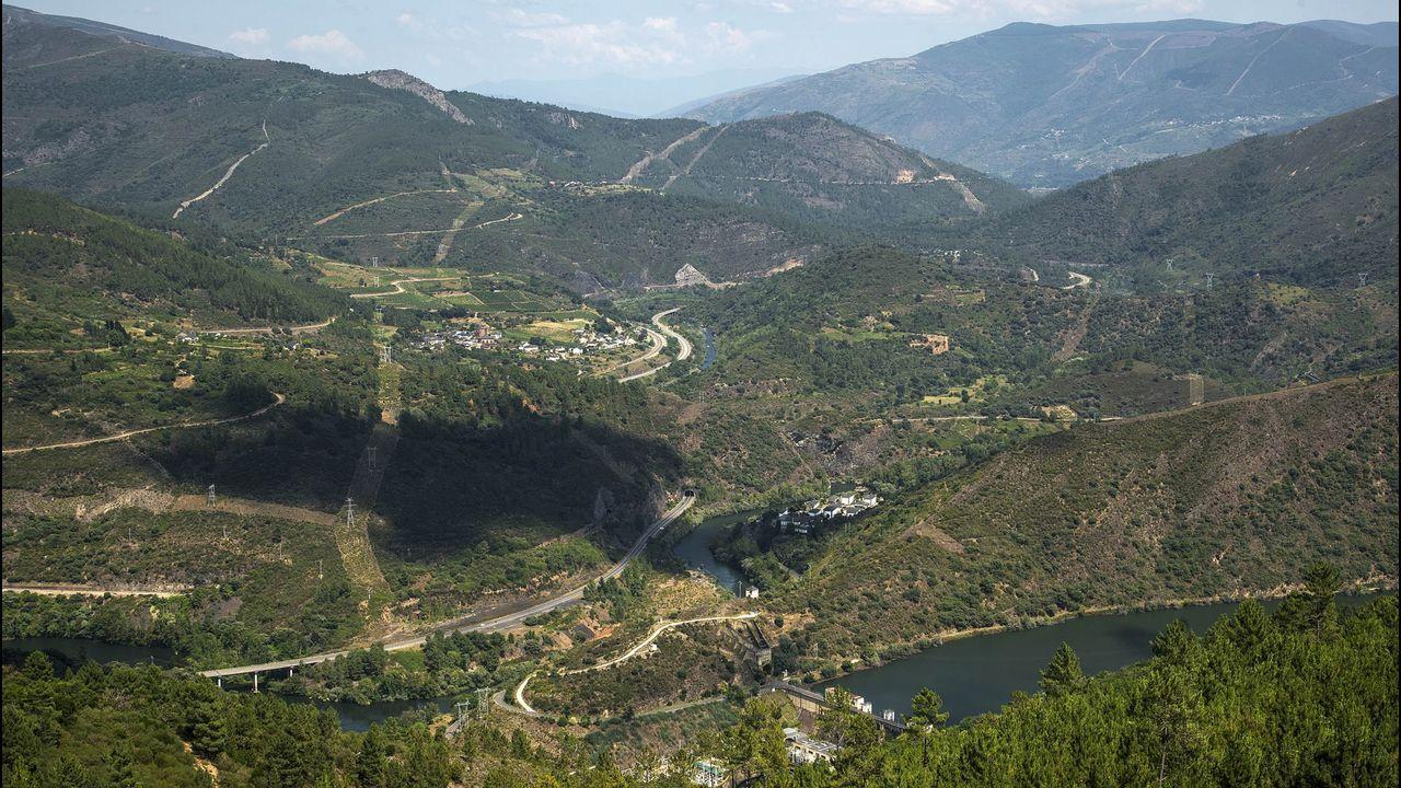 En la zona otro de los grandes atractivos son las minas de oro romanas. En la imagen se localiza las de Montefurado, en Quiroga. A Toca, Torubio y Millares, son las de Folgoso do Courel mientras que en Ribas de Sil cobran protagonismo las de O Covallón.