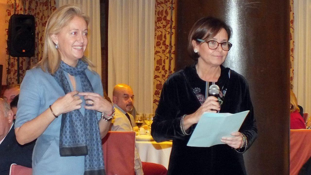 Carmen Moriyón y Cristina Coto, durante un acto de Foro Asturias