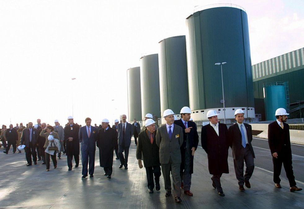 .<span lang= es-es >La inauguración</span> se celebró el 19 de enero del 2002 y contó con la presencia del exalcalde, Francisco Vázquez, y otros cargos del gobierno local y de los ayuntamientos del área metropolitana.