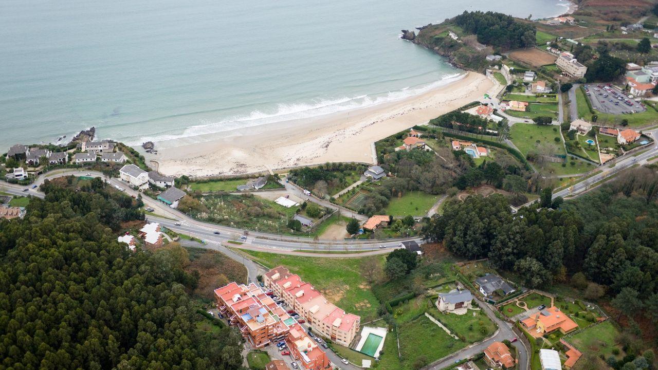 .Vista de la playa de Bastiagueiro, en Oleiros