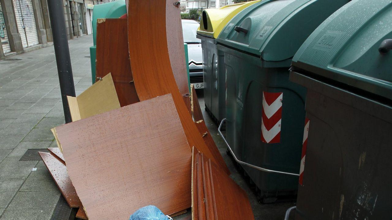 Las reclamaciones afectan en Santiago a servicios como la recogida de basura