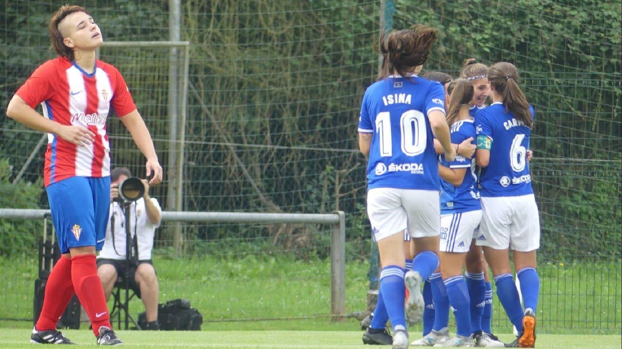 Gol Carol Gonzalez Real Oviedo Femenino Sporting derbi Requexon.Las azules celebran el gol de Carol González ante el Sporting