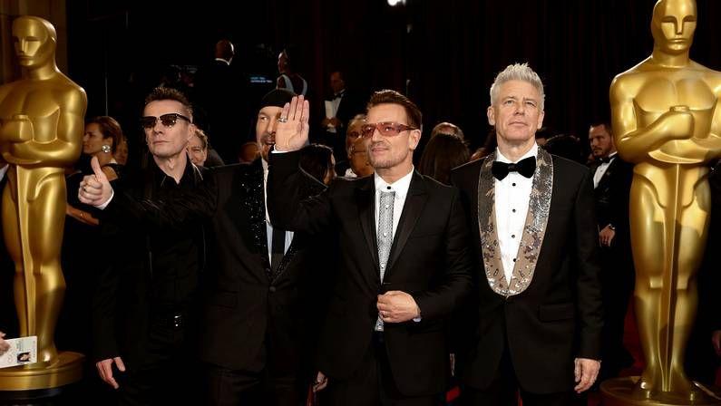 Bob Hoskins, una vida de cine.U2, en la gala de los Oscars