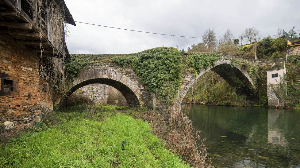 El puente de Barxa de Lor fue muy reformado en el siglo XVI, pero su origen es posiblemente romano