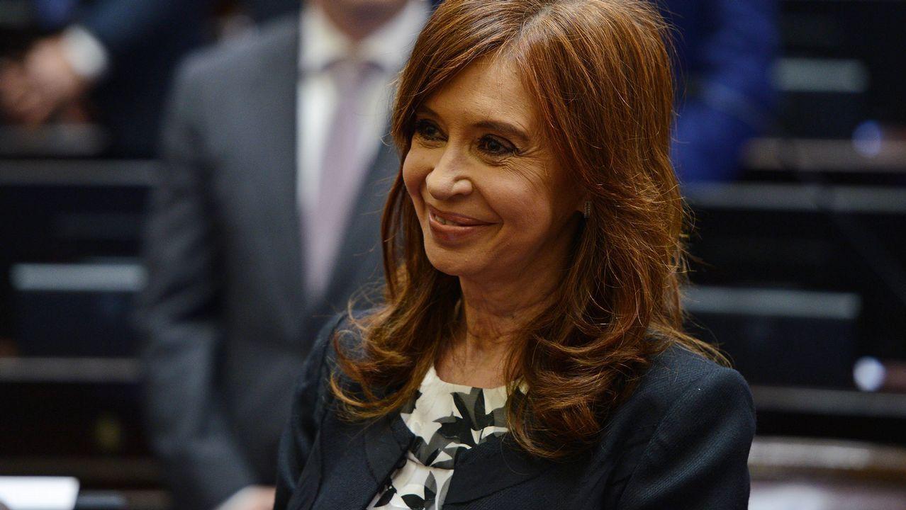 EN DIRECTO:Juan Guaidóaparece en públicotras su autoproclamación como presidente.Congreso de los Diputados argentino