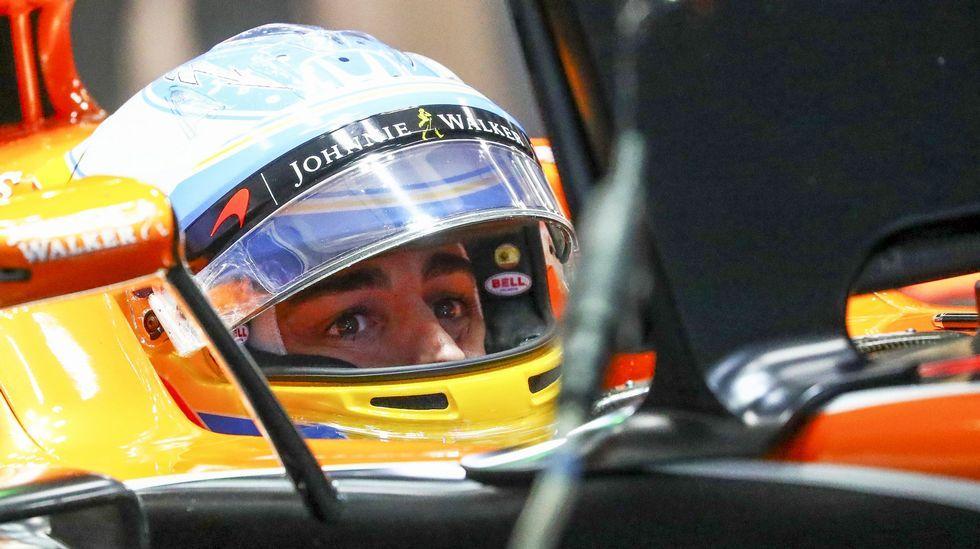 .El piloto español de la escudería McLaren-Honda, Fernando Alonso, participa en el segundo entrenamiento previo al Gran Premio de Japón en el circuito de Sukuza (Japón) hoy, 6 de octubre de 2017, que se celebrará el próximo domingo 8 de octubre. EFE/DIEGO AZUBEL