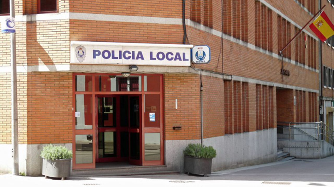 Cinco muertos en un brutal accidente en Utrera, Sevilla.Policía Local de Mieres