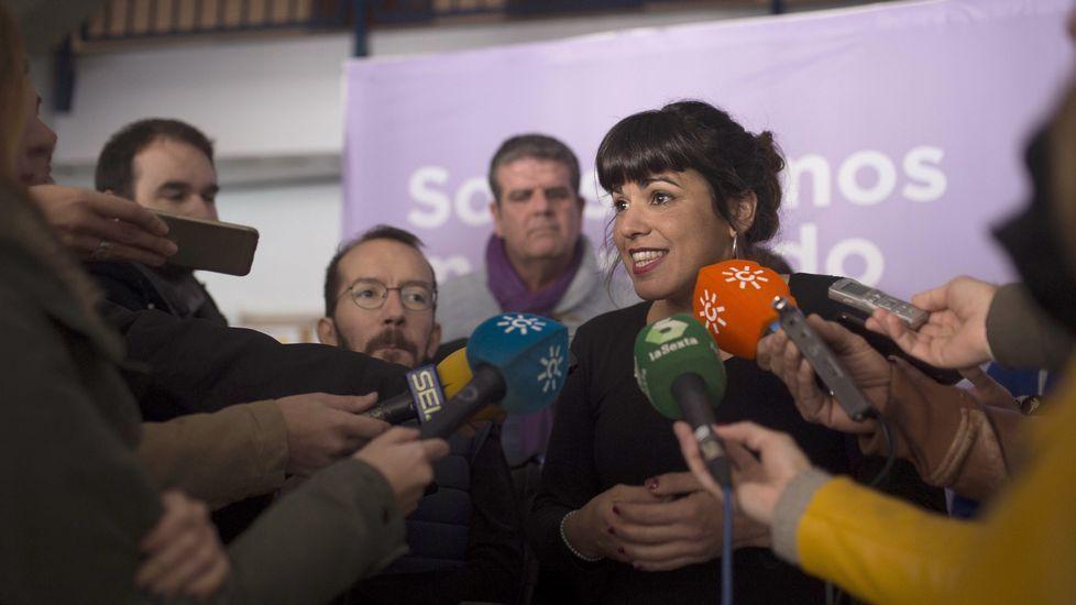 Echenique en un acto junto a Teresa Rodríguez en Córdoba