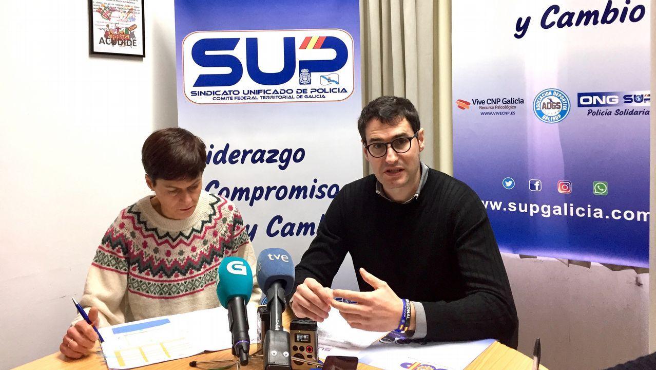 Representantes de SUP Galicia durante la rueda de prensa en la que han denunciado una «situación límite» de personal en las comisarías gallegas