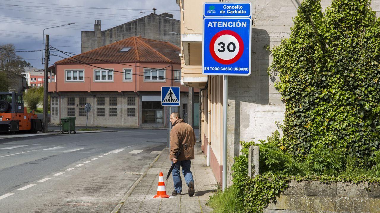 Tu coche es fantástico... ¿Lo sabes?.Imagen de un control de la Guardia Civil de Tráfico cerca de A Coruña