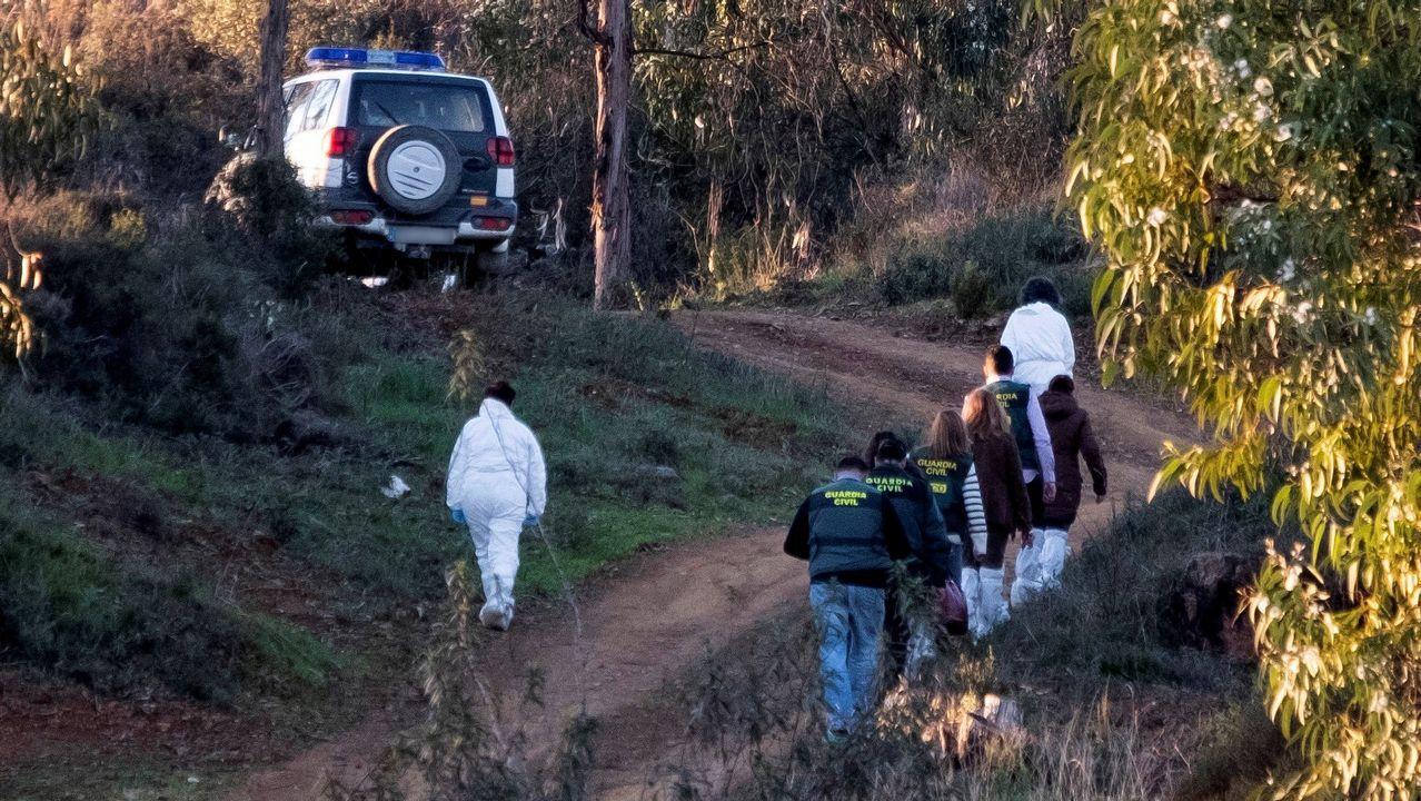 Naufragio en Malpica con un fallecido y tres rescatados.FRÍO. HELADA HIELO EN PLAZA EUROPA