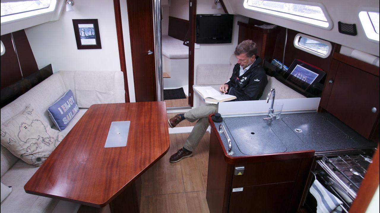 Una ruta por enclaves naturales e históricos significativos.Al llegar al buque, Francesca le pidió a Pablo una foto. Es la única imagen de los dos juntos, que él le enviaría por Facebook