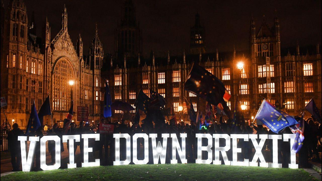 May retrasa la votación sobre el acuerdo del Brexit para evitar una derrota.Javier Montenegro, del Ciqus de Santiago, es el responsable del desarrollo del proyecto