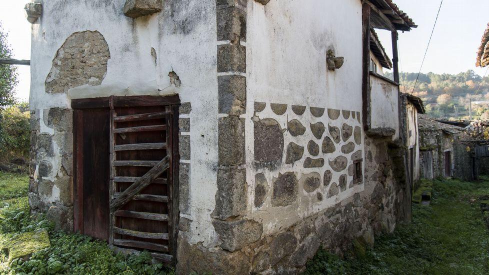 Esgrafiados en una casa de A Somoza, en Sober