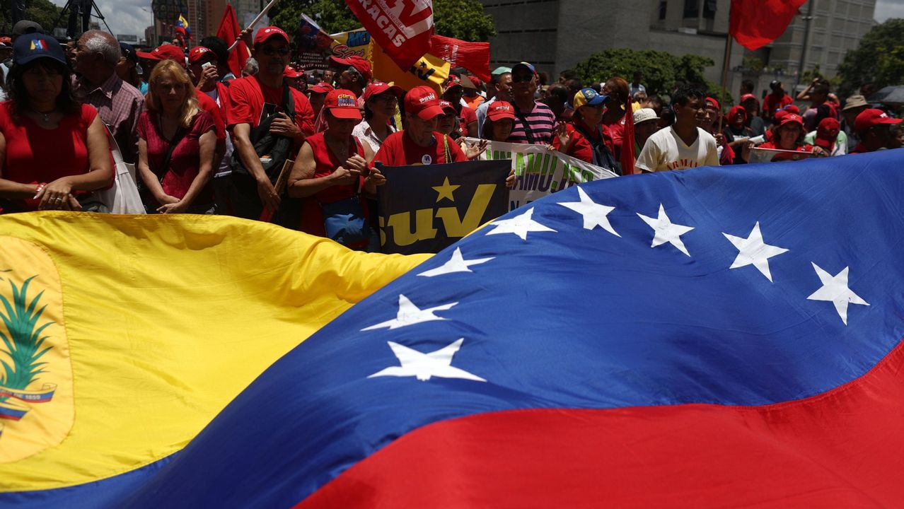 Simpatizantes del presidente Maduro se manifiestan, en agosto, por las calles de Caracas