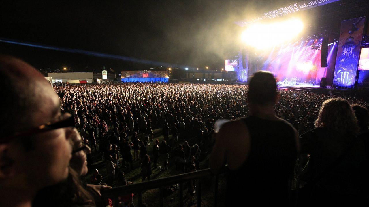 Megadeth durante su actuación en el Resurrection Fest en el 2014