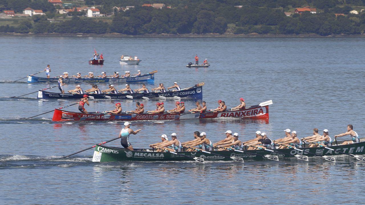 Camila Alonso gana el triatlón de Ferrol