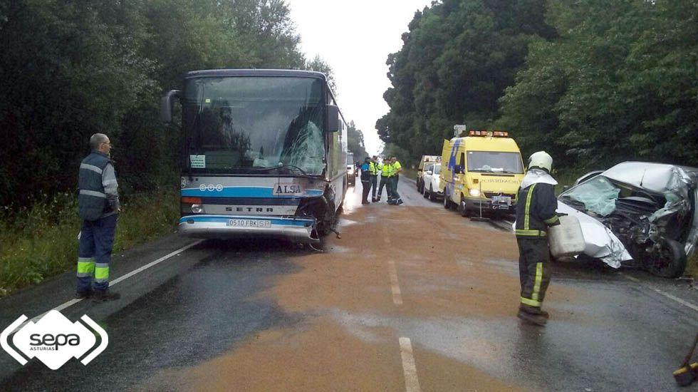 Un conductor ha perdido la vida en un accidente en la localidad de Piedeloro, en Carreño.Un conductor ha perdido la vida en un accidente en la localidad de Piedeloro, en Carreño