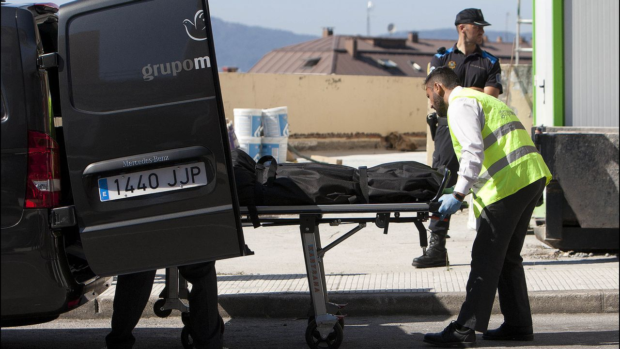 Fallece una mujer de 67 años en el incendio deun edificio de 9 plantas.La autopista del Huerna
