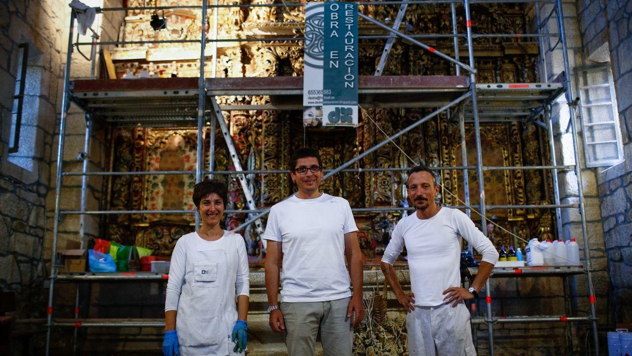 El cableado visible arruina la estética del barrio histórico de Vigo.Eulogio López Masid