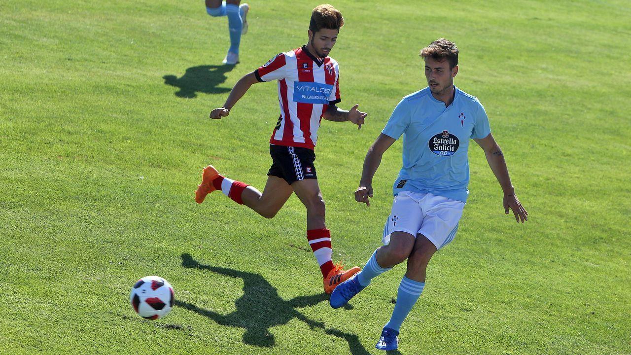 As imaxes do partido amistoso entre o Céltiga e o Celta B.Saúl disparando en el Oviedo-Rayo
