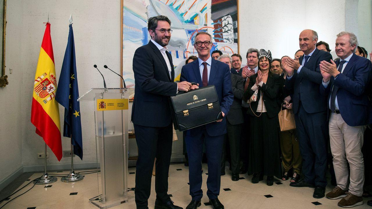 Montón dimite por las irregularidades de su máster.El nuevo ministro de Cultura, José Guirao, tomó posesión con una apelación al consenso y al respeto por «todo y todos»