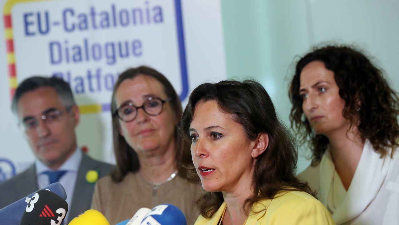 La eurpdiputada Ana Miranda atiende a la prensa tras el encuentro con Puigdemont