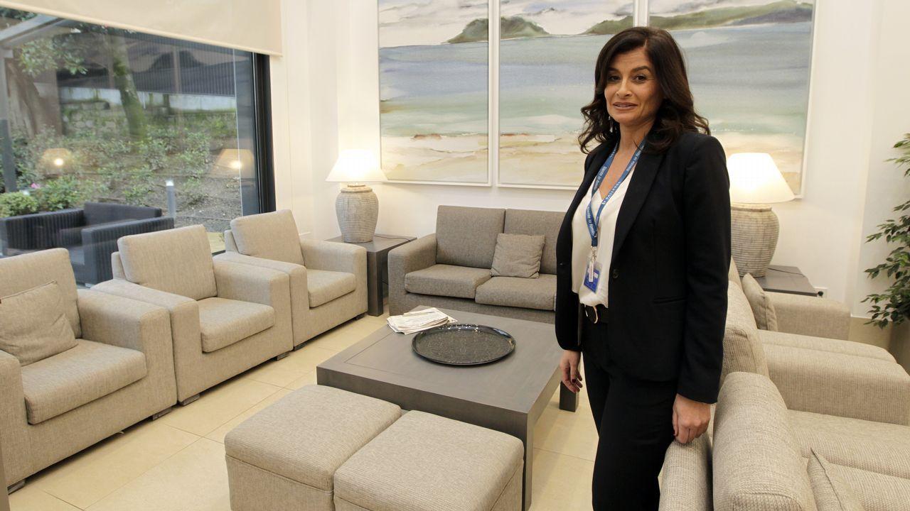 La ministra de Sanidad anuncia 105 plazas nuevas para médicos de familia en Galicia.Vanessa Falque, cuñada de Carmela Silva
