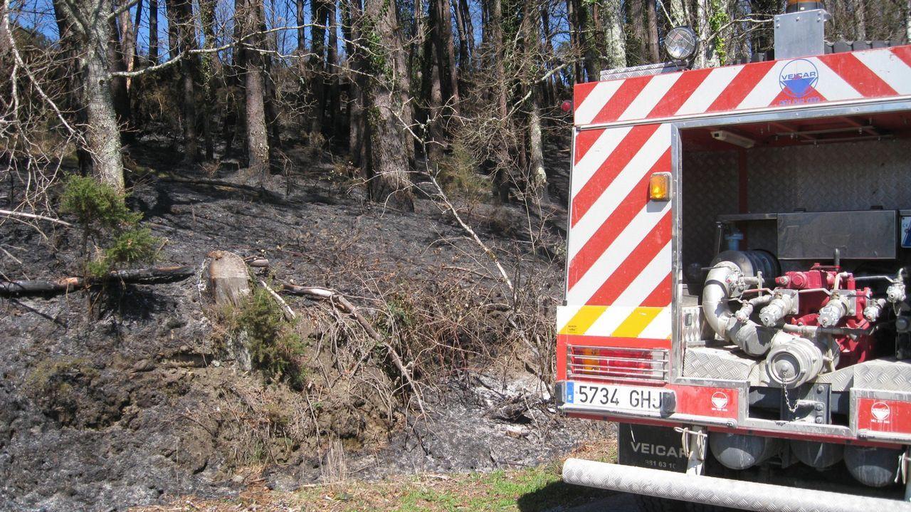 .Imagen de archivo del 2014 en un incendio en Roupar