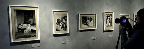 El rey Juan Carlos: «Estoy fenomenal».Vista de la secuencia de fotografías con las que Cartier-Bresson documentó los últimos días de Gandhi y su muerte.