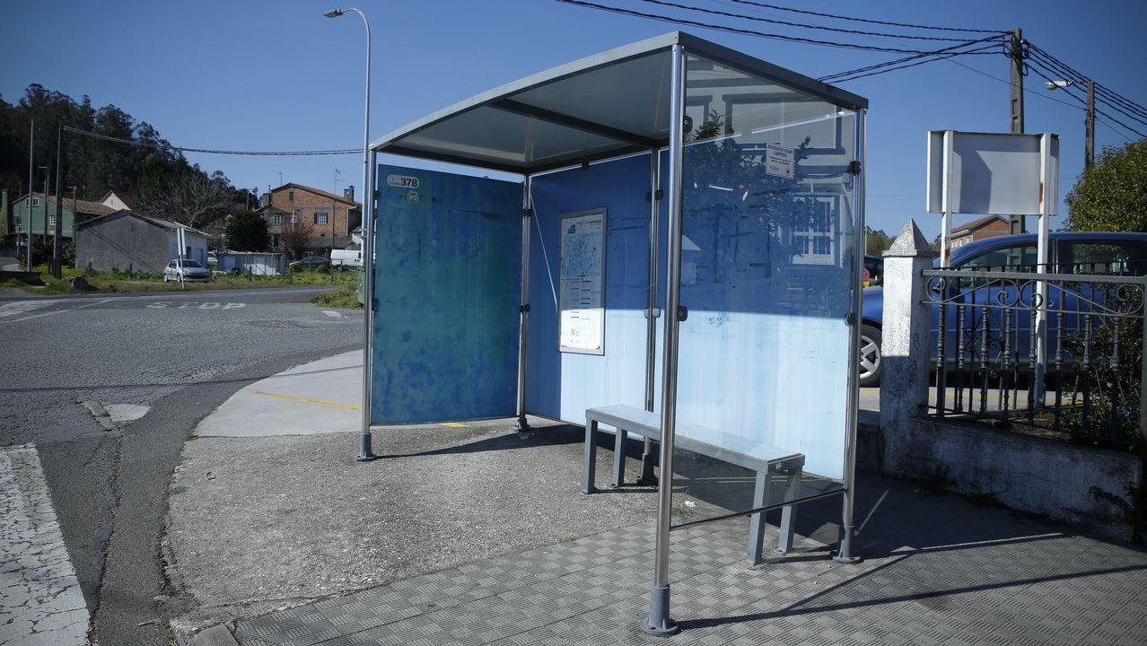 En Piñeiro (O Eixo), optan por este peculiar modelo de color azul
