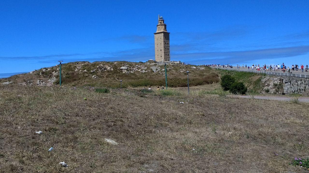 Galicia no descarta activar la alerta por sequía en zonas concretas a final de mes.Fotografía de archivo de Ana Mato, a su salida de la Audiencia Nacional
