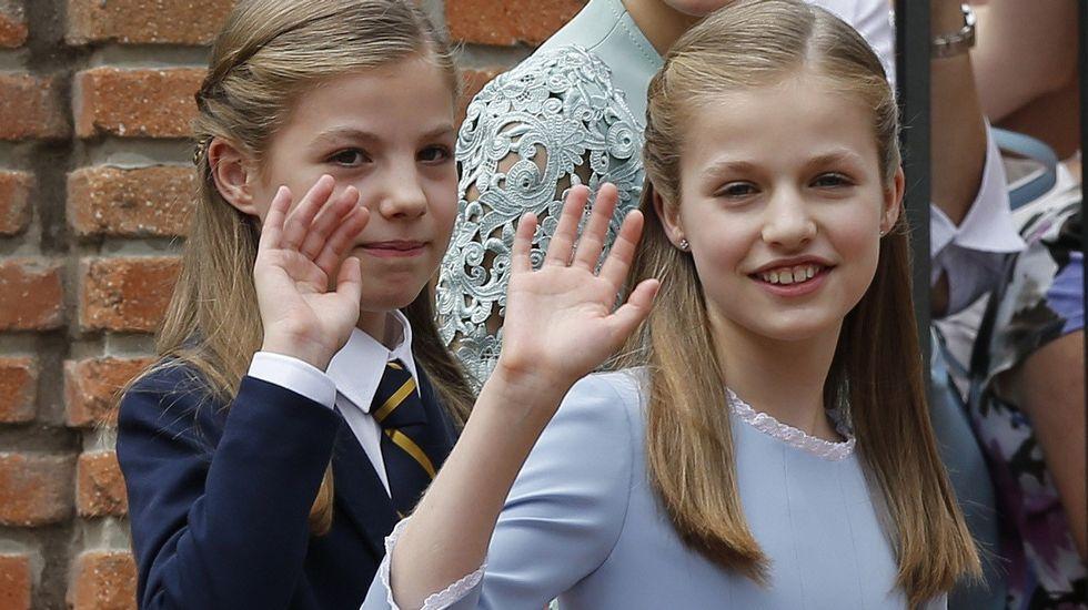 .La princesa Leonor, en su última aparicion pública, en la comunión de su hermana Sofía.