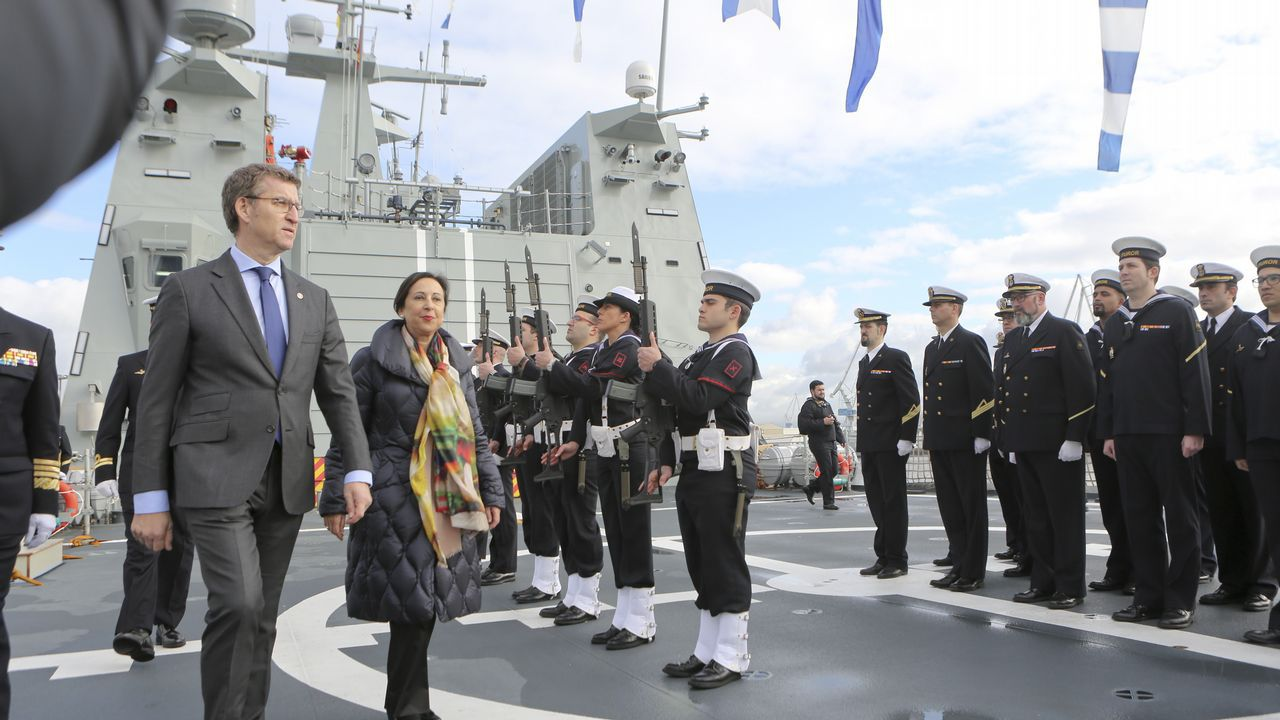 Entrega del BAM Furor a la Armada en Ferrol
