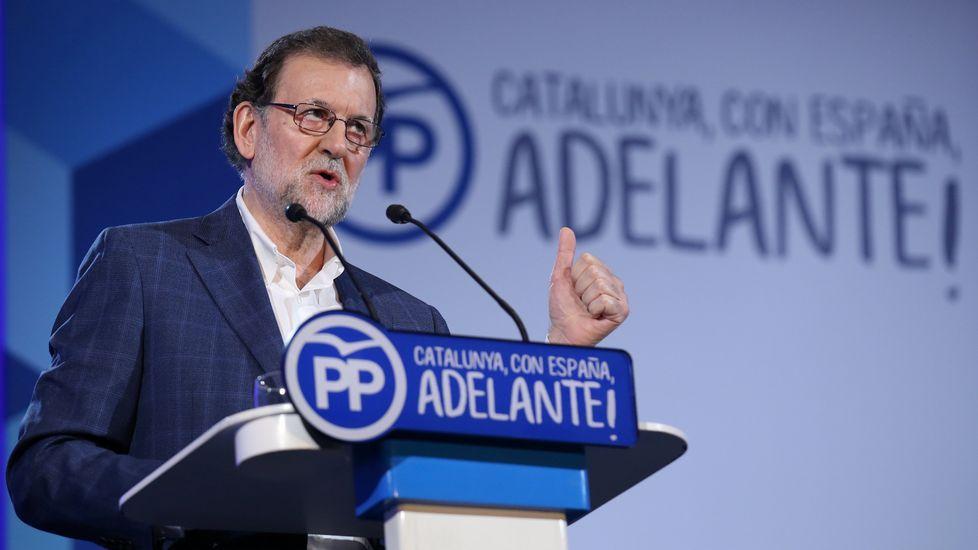 Rajoy: «No se puede pedir a la gente que se ponga de acuerdo para violar la ley».La consejera de Hacienda, Dolores Carcedo