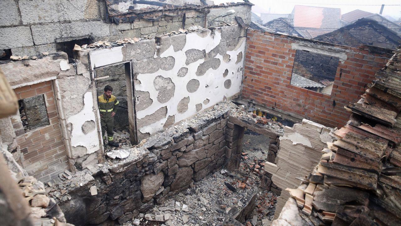Cristian Sousa Sánchez, afectado al que le ardieron un conjunto de viviendas en Muimenta.