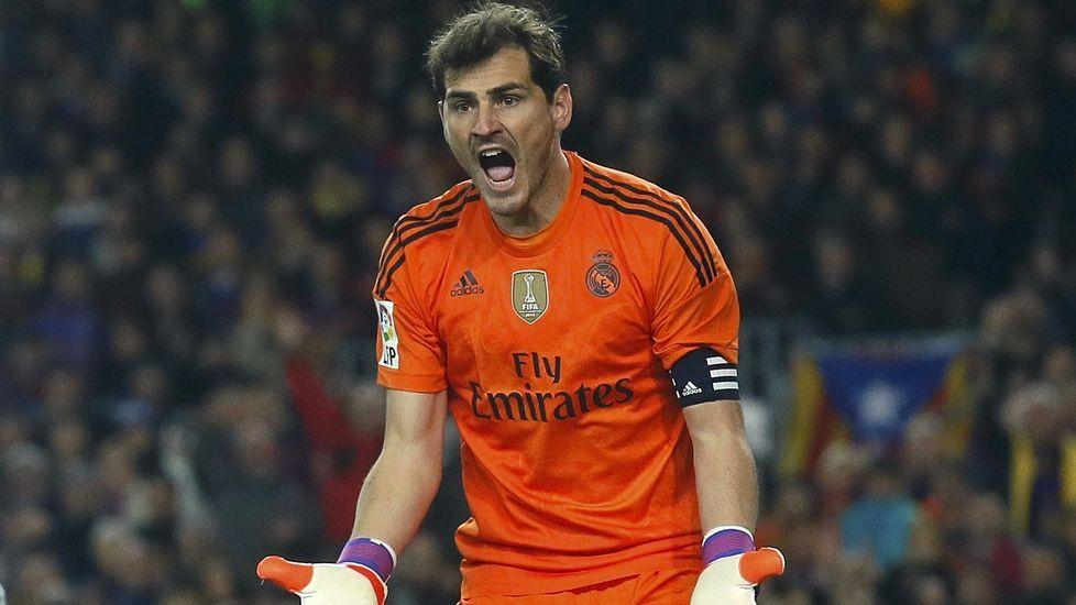 La reacción de Casillas a los pitos del Bernabéu.Captura de pantalla de un tuit falso