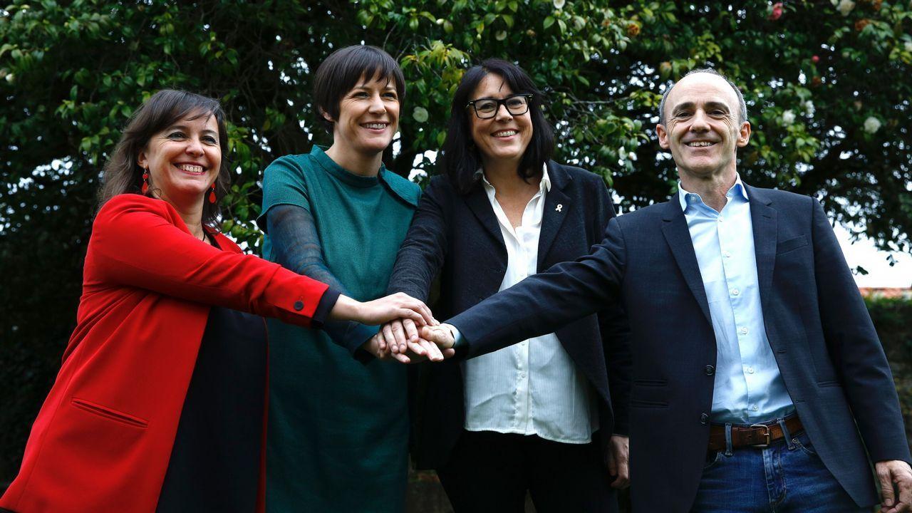 Ana Miranda y Ana Pontón (BNG), Josu Juaristi, de Bildu, y Diana Riba, de ERC, en Santiago