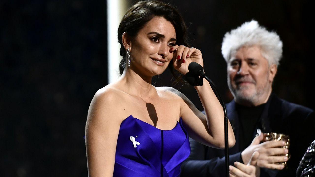 Penélopez Cruz, protagonista en los Premios César.Eva Longoria con su placa en el Paseo de la Fama de Los Ángeles