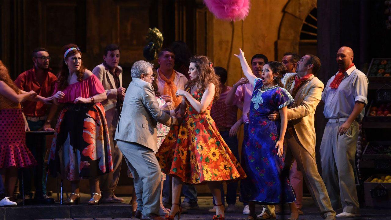 El velo de doña Letizia.Un momento de la representación de «Tosca» durante la temporada de Ópera de Oviedo 2018-19