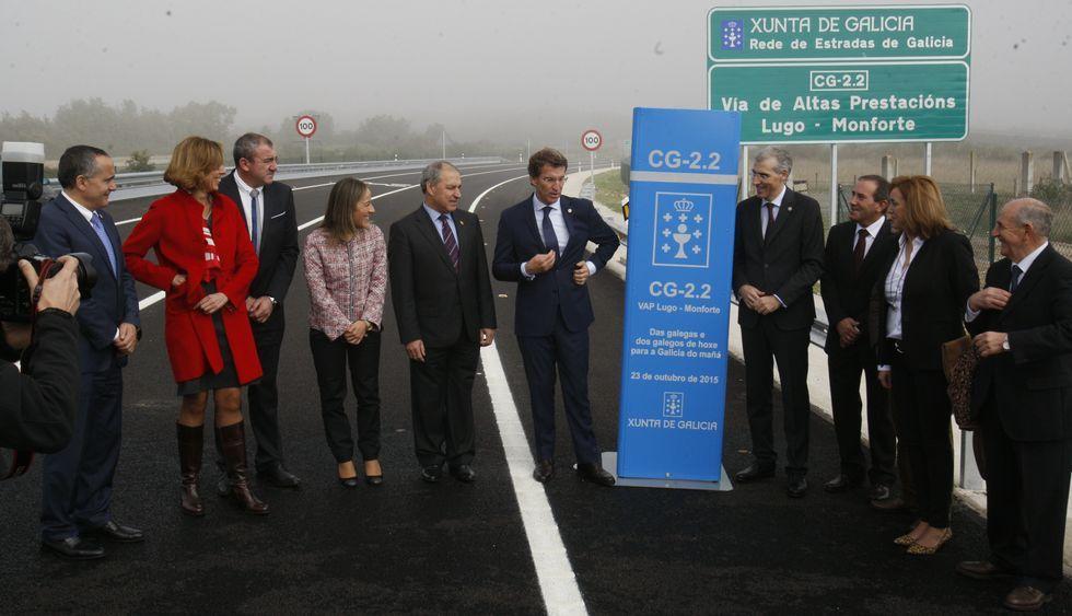 El presidente de la Xunta inauguró ayer por la mañana el tramo Monforte-Bóveda.