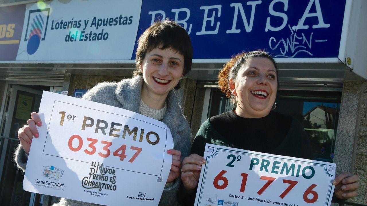 Venden el segundo premio de la lotería del niño en la administración del Castiñeiro.Avión de la aerolínea de bajo coste Ryanair