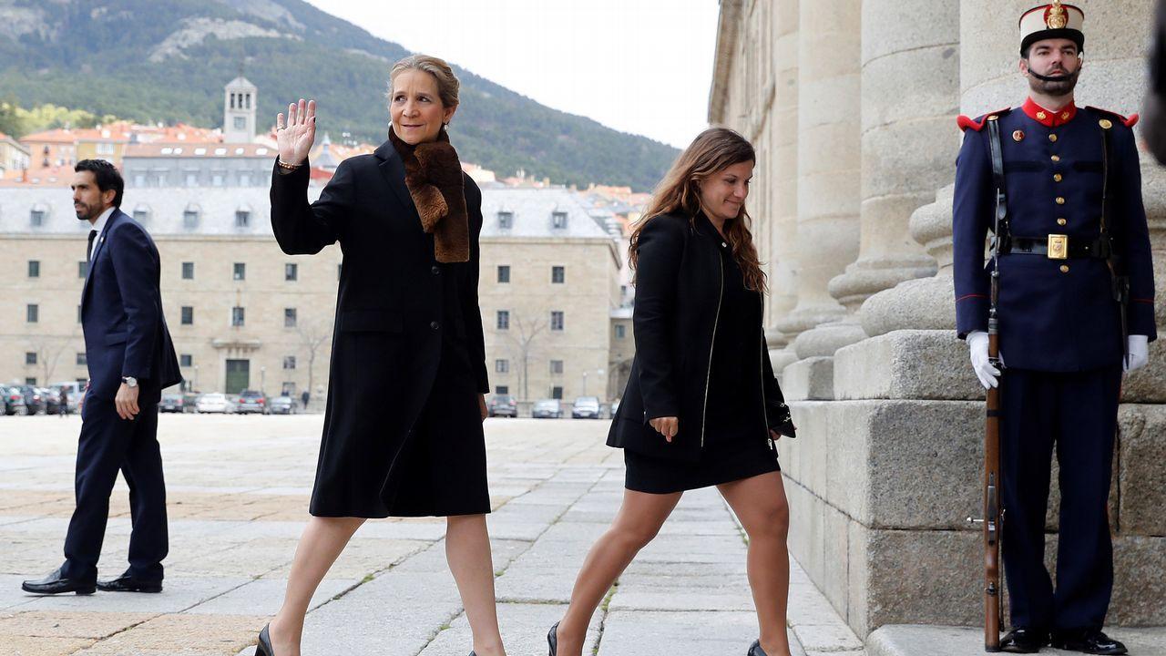.La Infanta Elena llega a la misa en el 25 aniversario de la muerte de Juan de Borbón