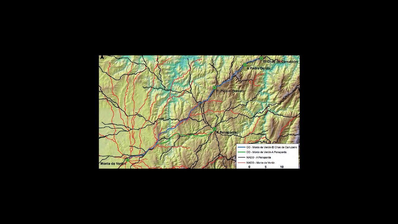 .Propuesta de línea de avance de las tropas romanas que entraron a Galicia por Asturias y creando campamento en A Penaparda (A Fonsagrada) y Monte de Ventín (Pol)