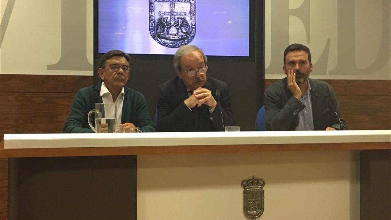 La autopista del Huerna.El concejal de Cultura, Roberto Sánchez Ramos; el concejal responsable del área de Seguridad Ciudadana, Ricardo Fernández, y el alcalde de Oviedo, Wenceslao López
