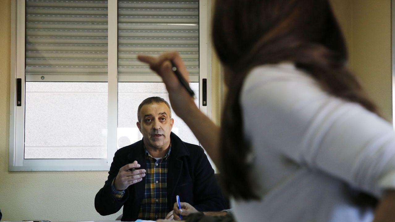 Os Blancos aprueba entre reproches el trasvase de servicios a la Diputación.